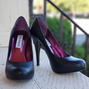 Steve Madden Leather Pumps